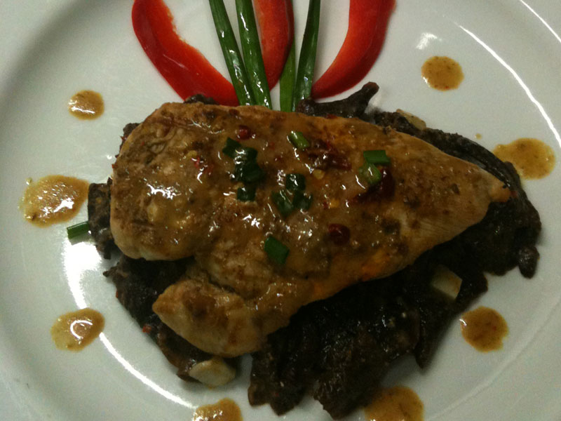 Grilled Chicken with Bangkanese Wild Mushroom